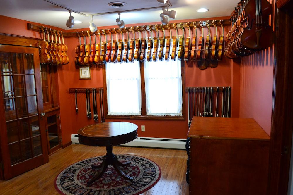 Viola Showroom